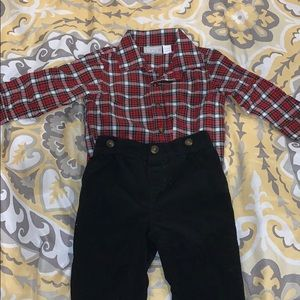 Children's place boys 12-18 m matching set
